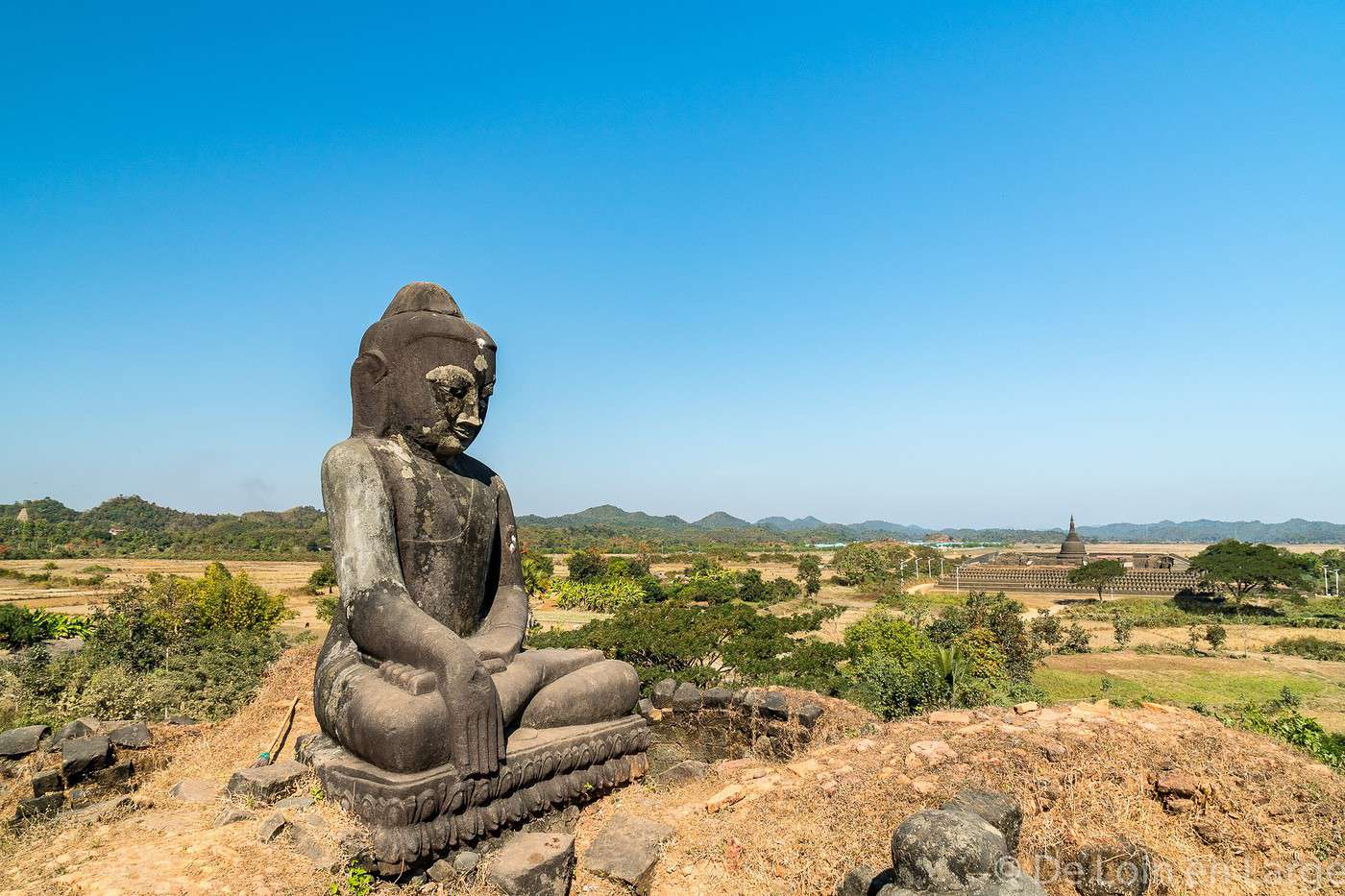 how to get from mrauk u to bagan