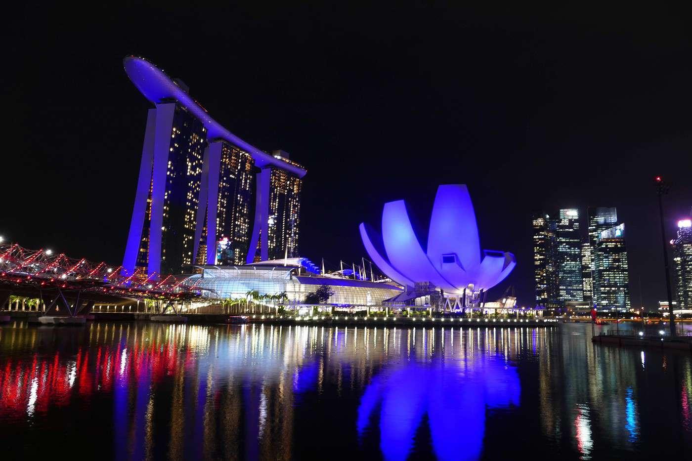 datant ci-dessus 40 Singapour Vitesse datant de la salle à manger